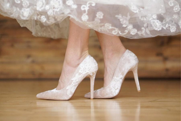 Rekomendasi-Brand-Sepatu-Pengantin